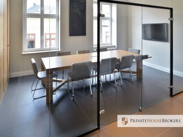 Biuro 190 m2 w eleganckie kamienicy. Wysoki standard, 9 pokoi, prestiżowa lokalizacja, 200m od Rynku