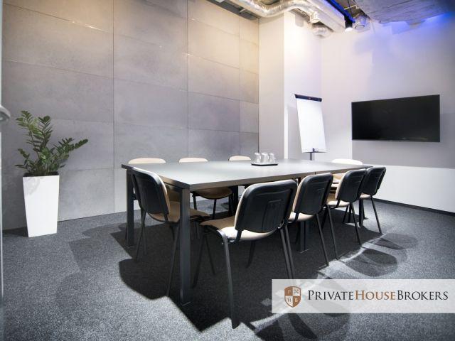 Elastyczna powierzchnia biurowa dla 15 osób. Do dyspozycji sale spotkań, budki, kawiarnia!