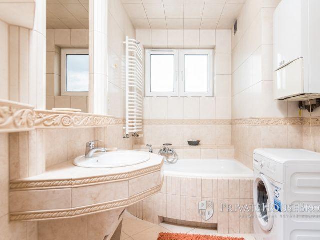30,91 metrowe klimatyzowane mieszkanie z osobną kuchnią przy ul. Górników