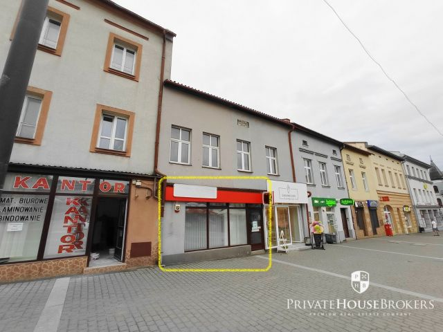 Rynek 8, Chrzanów, 60²: commercial area with a shop window and a back room