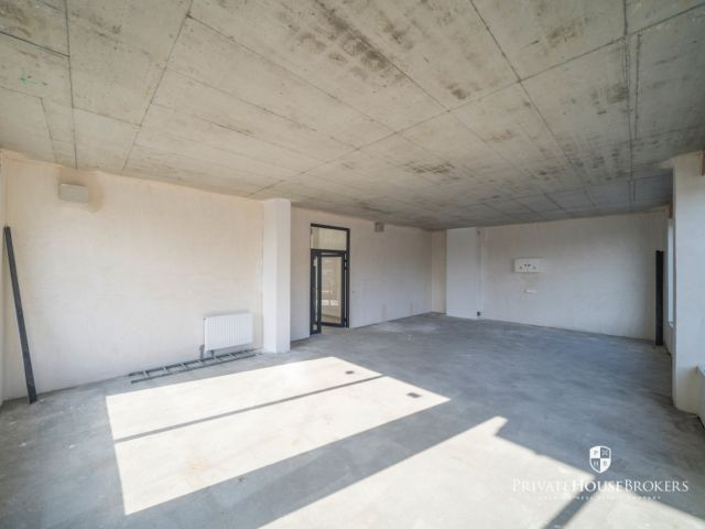 Commercial space for rent Banacha street 64 sqm