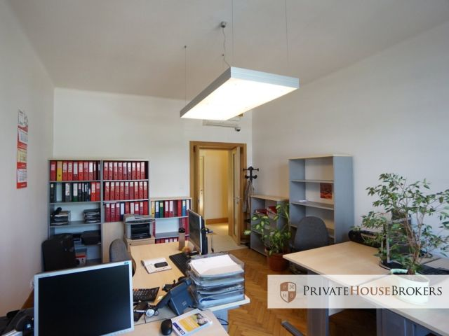 Office, perfect for law firm, 3 rooms, reception, 101 m2, high standard, next to Rondo Mogilskie.