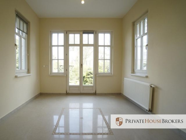 120 m2 office space in a unique location. Ground floor of a beautiful villa close to Wisła - Dębniki