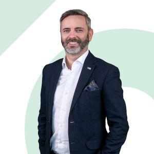 Maciej Beneda Senior Real Estate Sales & Lettings Specialist
