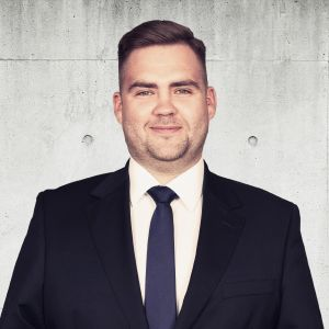 Maciej Staniszewski Starszy Specjalista ds. Sprzedaży i Wynajmu Nieruchomości