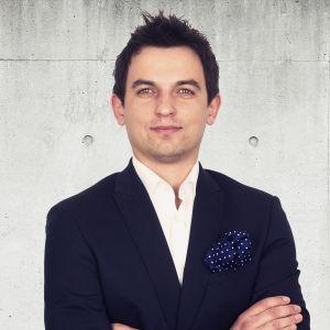 Kamil Pluta Senior Real Estate Broker