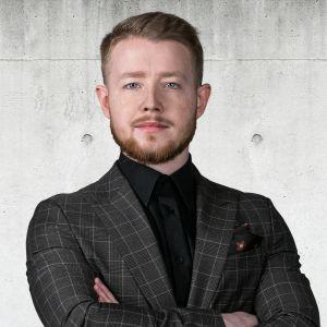 Dawid Śliwa Specjalista ds. Sprzedaży i Wynajmu Nieruchomości
