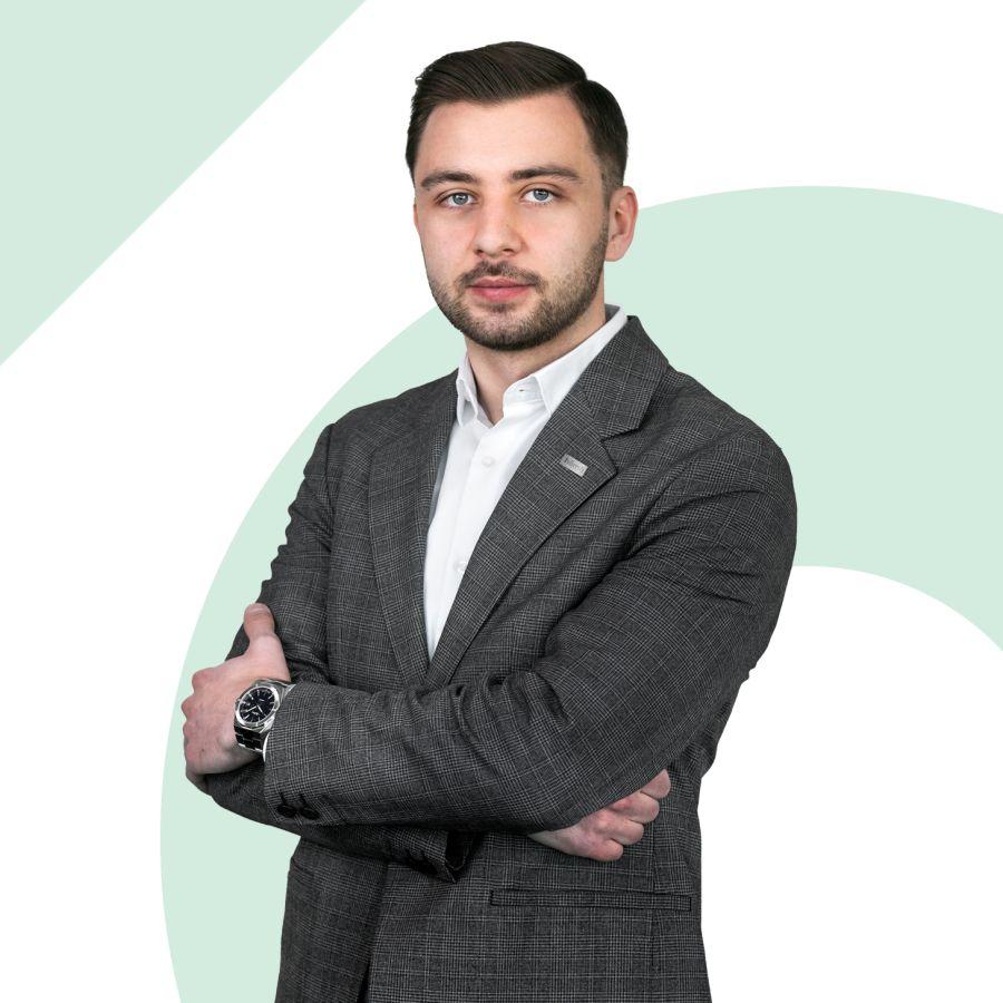 Bartosz Delczyk Specjalista ds. Sprzedaży i Wynajmu Nieruchomości
