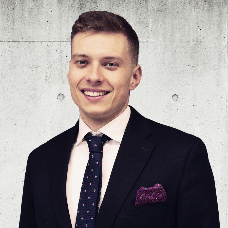 Maciej Grzelak Real Estate Sales & Lettings Specialist