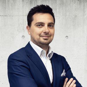 Tomasz Gutowski Branch Director