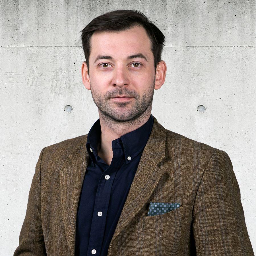 Dominik Szumny Specjalista ds. Sprzedaży i Wynajmu Nieruchomości