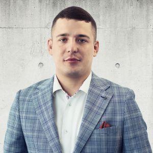Kamil Wierzchowski Specjalista ds. Sprzedaży i Wynajmu Nieruchomości