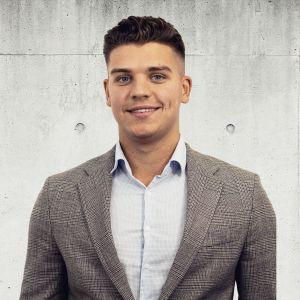 Mateusz Rusek Specjalista ds. Sprzedaży i Wynajmu Nieruchomości