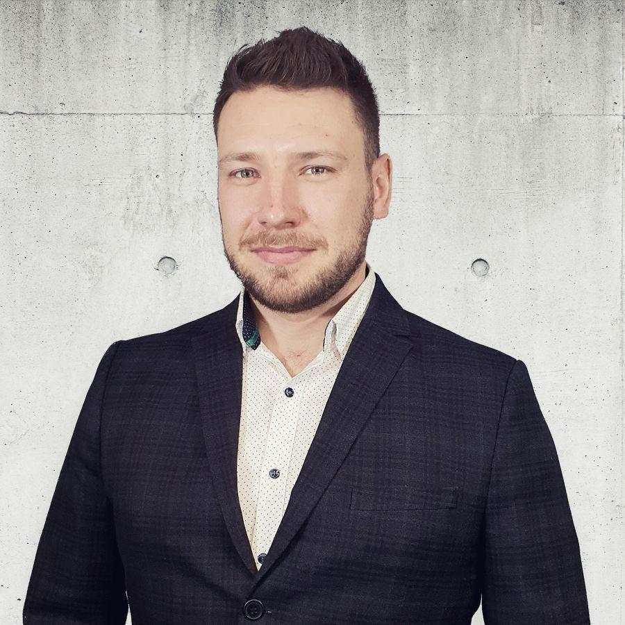 Przemysław Białkowski Specjalista ds. Sprzedaży i Wynajmu Nieruchomości
