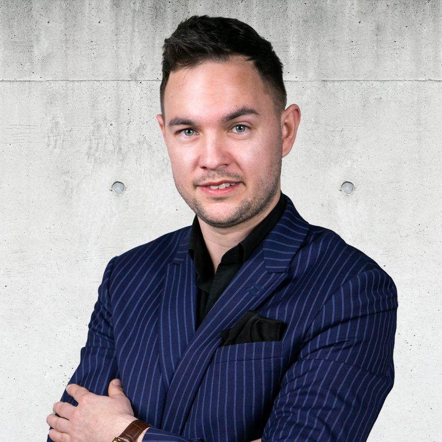 Bartosz Ciosek Senior Real Estate Broker