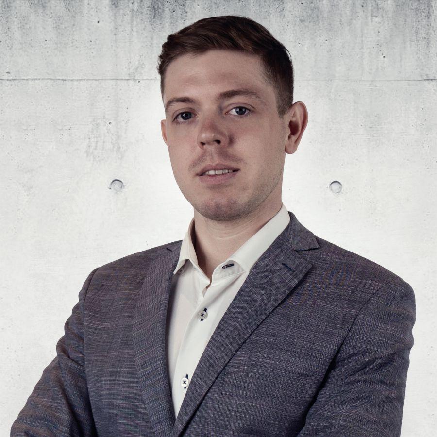 Piotr Rożniakowski Specjalista ds. Sprzedaży i Wynajmu Nieruchomości
