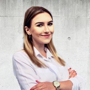 Julia Pyrzyńska Specjalista ds. Sprzedaży i Wynajmu Nieruchomości