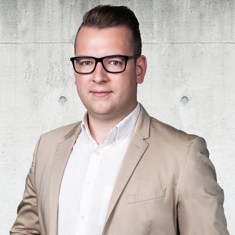 Maciej Dymek Partner