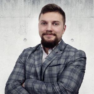 Adam Woźniak Specjalista ds. Sprzedaży i Wynajmu Nieruchomości