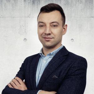 Karol Tomczyk Specjalista ds. Sprzedaży i Wynajmu Nieruchomości