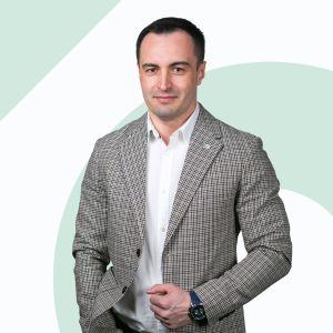 Radosław Góral Starszy Specjalista ds. Sprzedaży i Wynajmu Nieruchomości